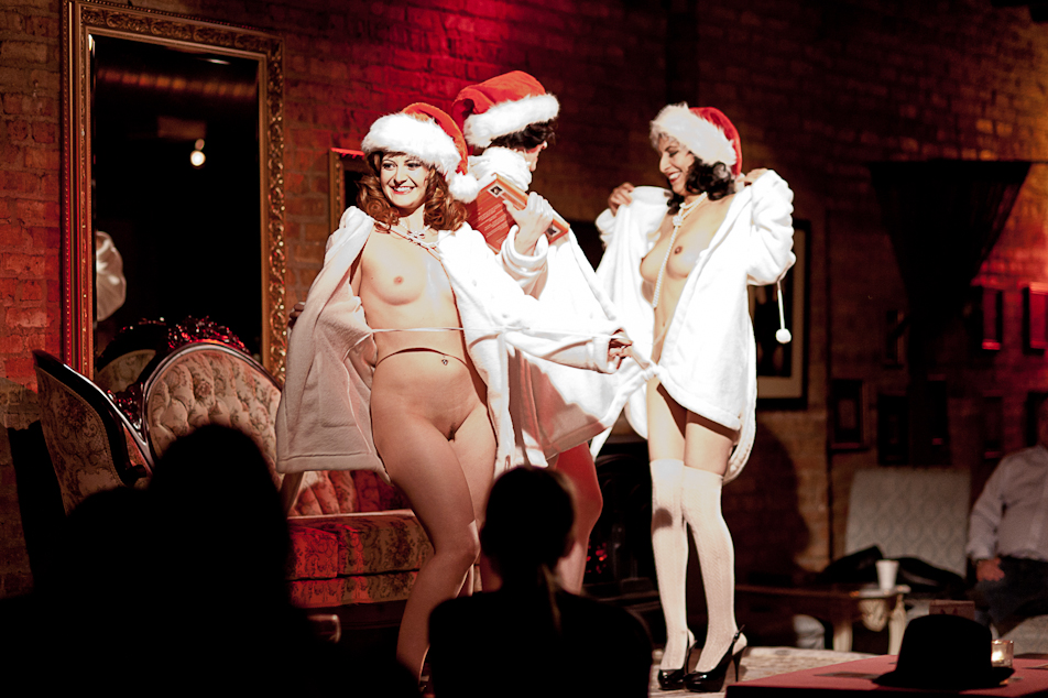 A Christmas Carol (3rd Annual) – NAKED GIRLS READING